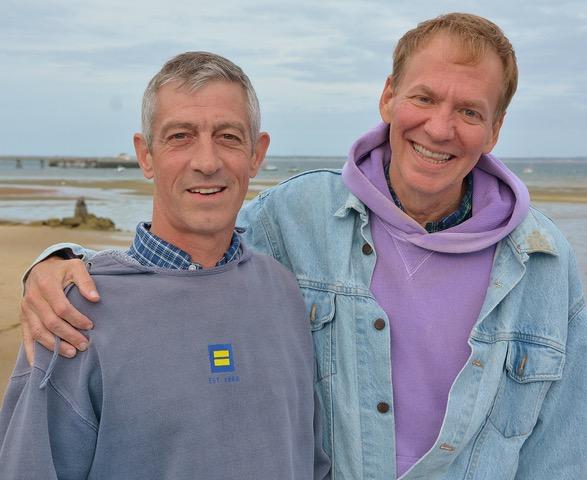 Bo and Paul at the Beach © Kidney4Bo
